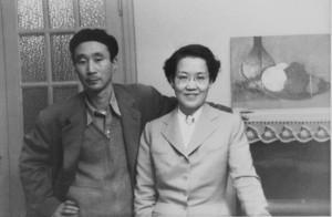 Tomie Ohtake e o artista japonês Keiya Sugano, década de 1950.